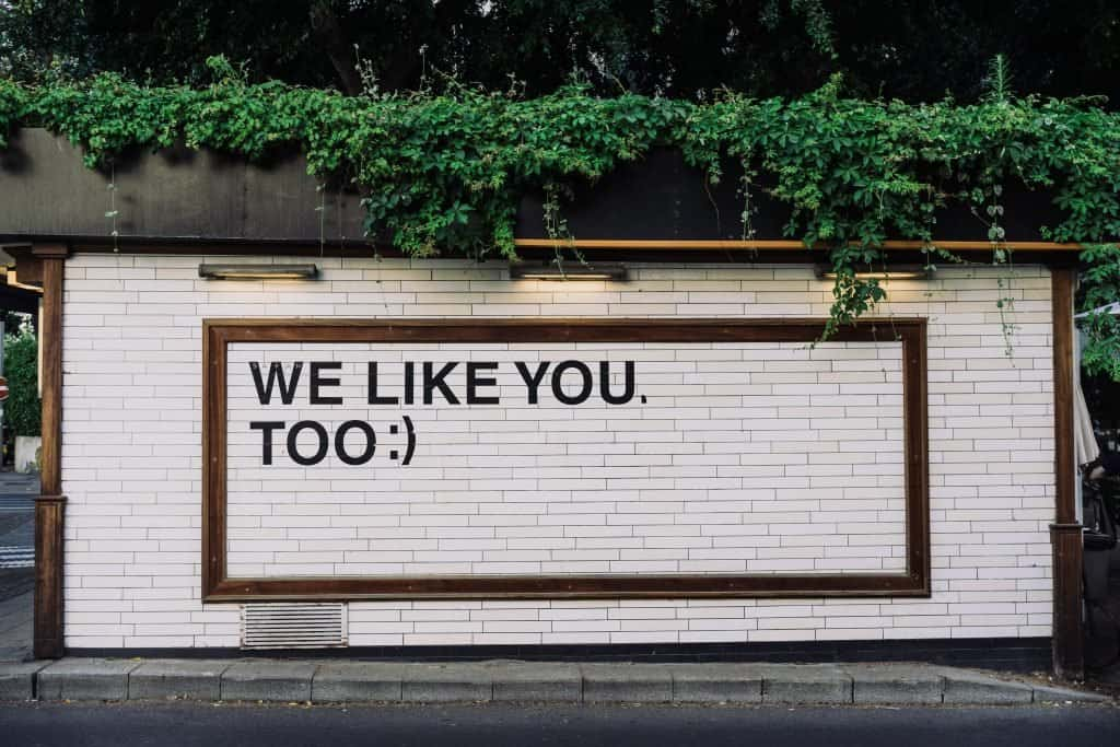 "Building that says ""we like you too"" to show that people will like your blogging ideas"