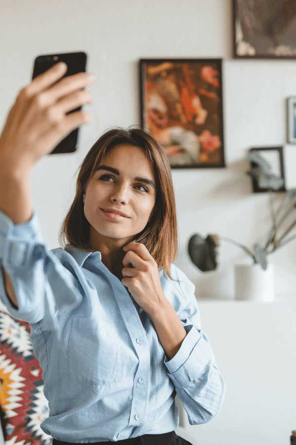 How to Create an Instagram Story Filter (2 Easy Ways: DIY or Hire)